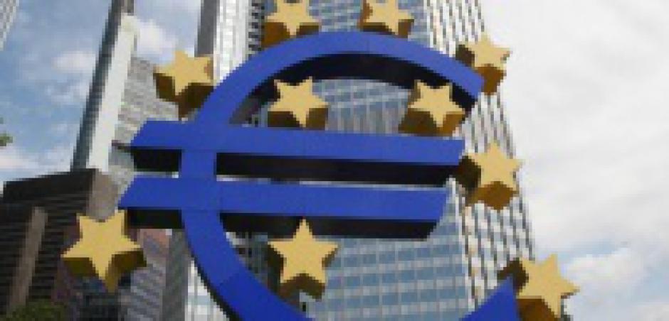 Bousculée par la crise, la BCE s'efforce encore de sauver la mise de la finance